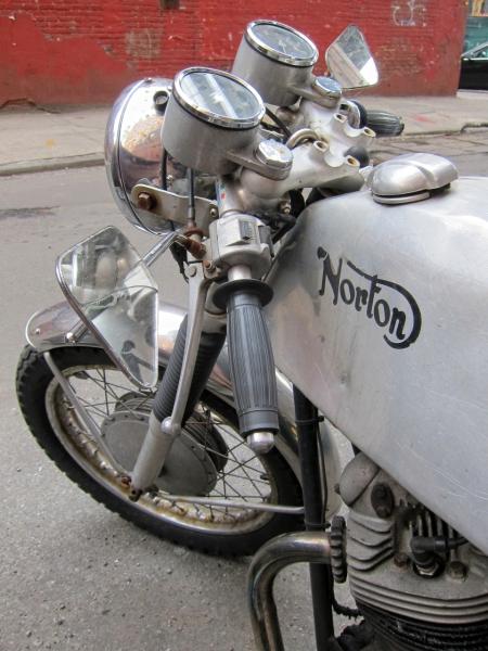 Et une Norton une... Img_2941-copy-copy