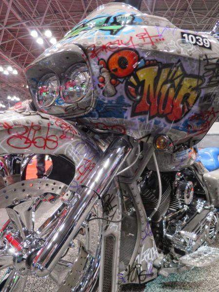 MotorcycleShow02