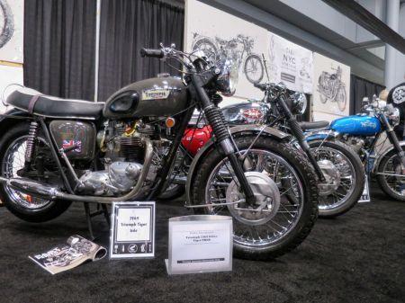 MotorcycleShow03