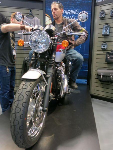 MotorcycleShow11