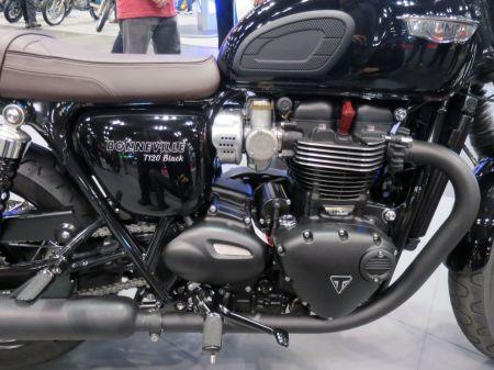 MotorcycleShow12