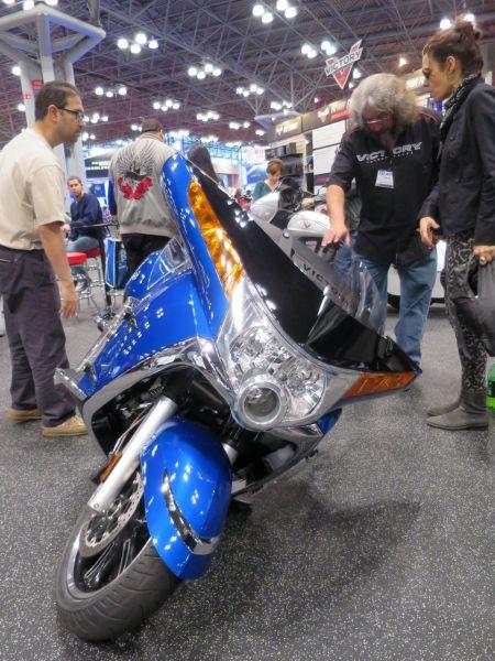 MotorcycleShow19